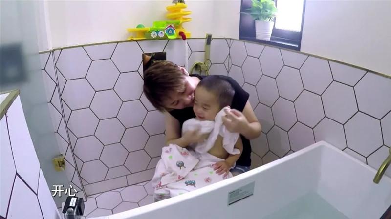 6㎡空间化身16㎡?让大人小孩瞬间爱上卫生间!