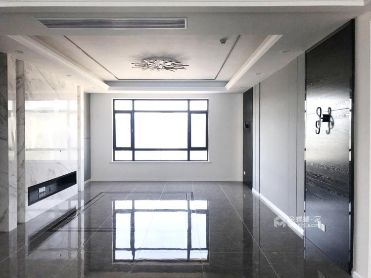 220平米现代风,没有软装看着也迷人-客厅效果图及设计说明