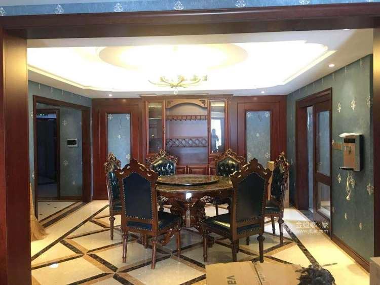 庄重典雅美式-餐厅效果图及设计说明