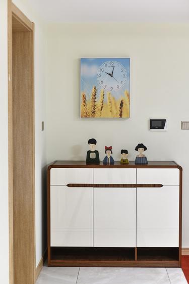120平3室现代客厅