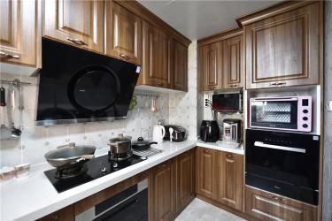 美式轻奢,将高级质感进行到底-中南世纪城小区150平米3室美式装修案例