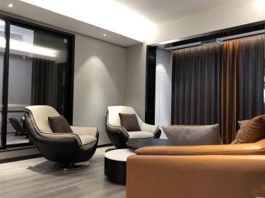 110平3室现代客厅