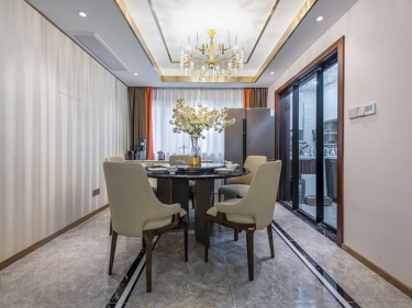 140平雨润广场现代风格-雨润广场小区140平米3室现代装修案例